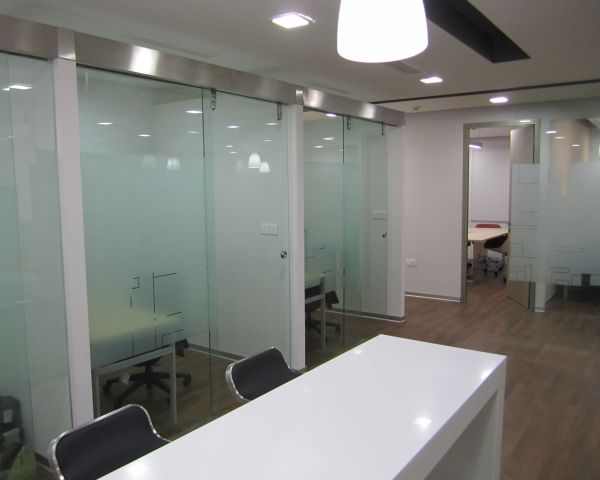Image Glass Glider Systems | Showerline