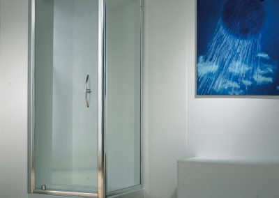 MIRAGE PIVOT SHOWER DOOR