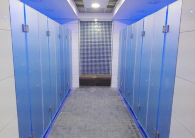 CHANGING ROOM SHOWERS