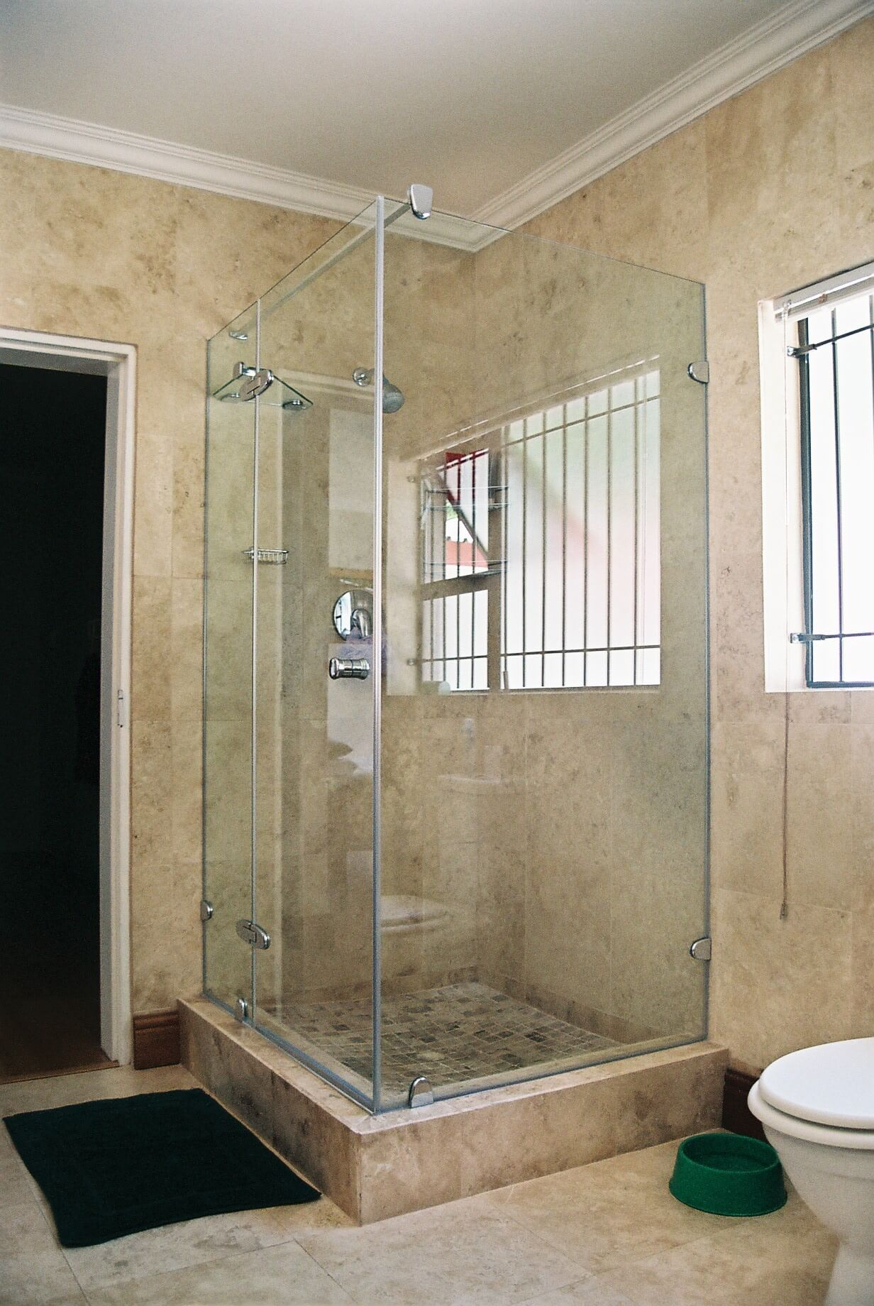 Reflection shower range