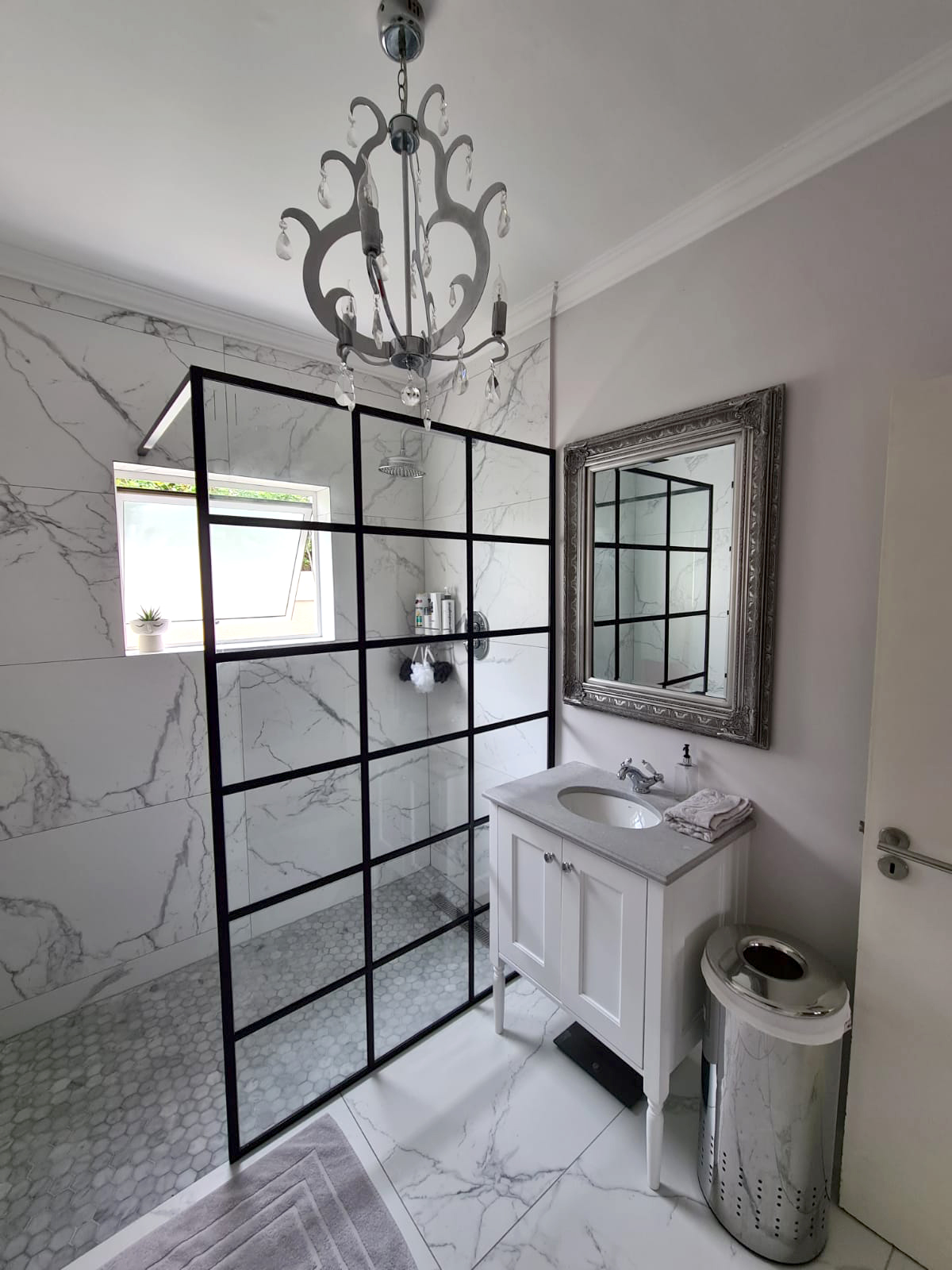 framed-shower-doors.jpg